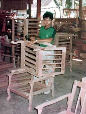 Aprentis Hamid Tukang Kayu